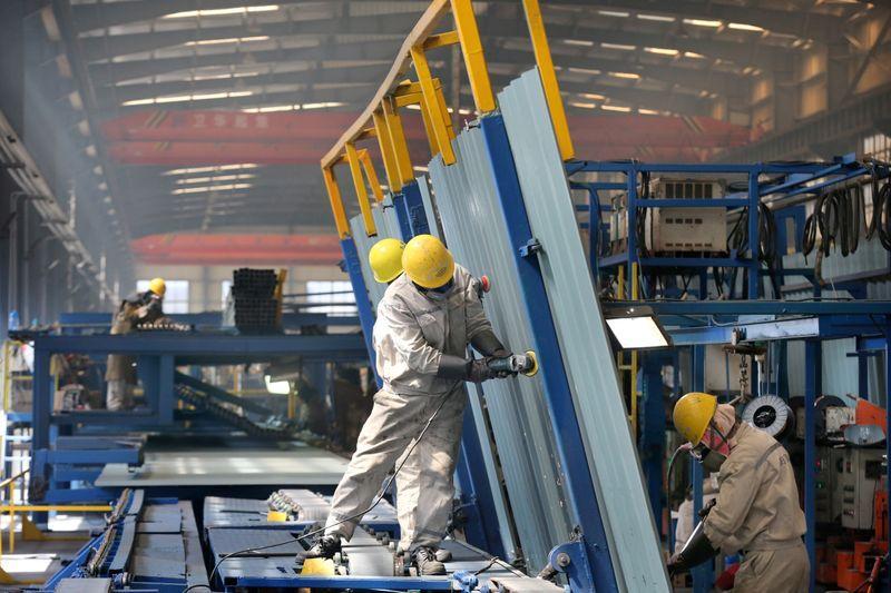 Produção industrial da China aumenta em maio mas consumidores continuam cautelosos