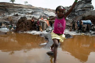 Children toil alongside parents at Burkina Faso quarry pit