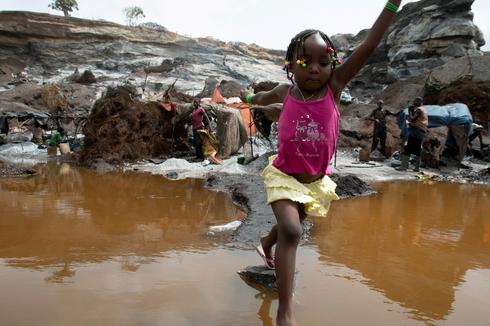 Children toil alongside parents at Burkina Faso quarry pit