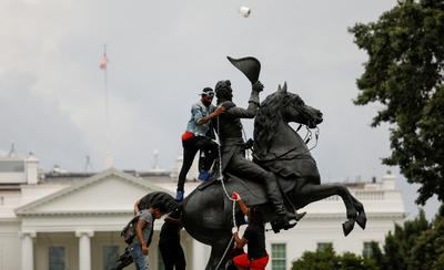 Protesters fail to bring down Andrew Jackson statue near White House