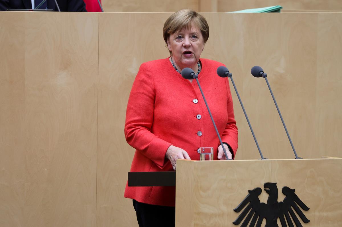 Merkel urges EU unity on China