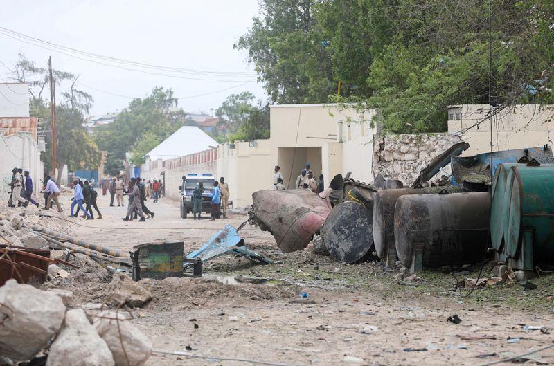 Suicide car bomber hits checkpoint at Somalia's Mogadishu port - Reuters