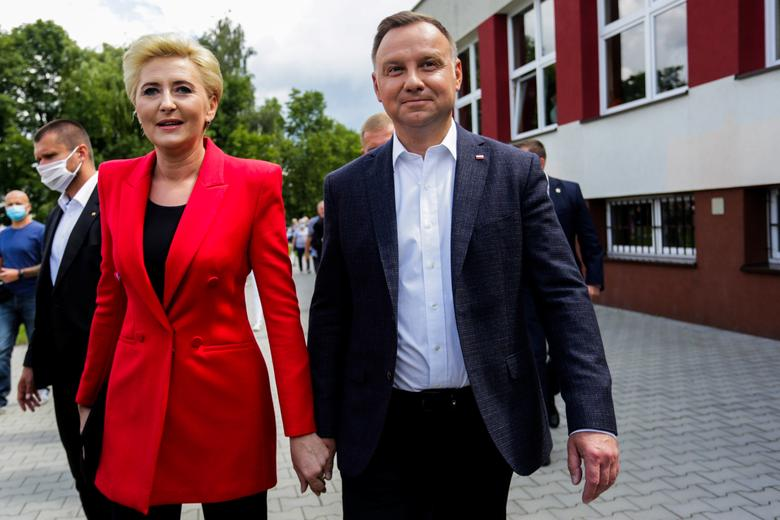 Poland S Duda Slightly Ahead In Presidential Vote Exit Poll Reuters Com