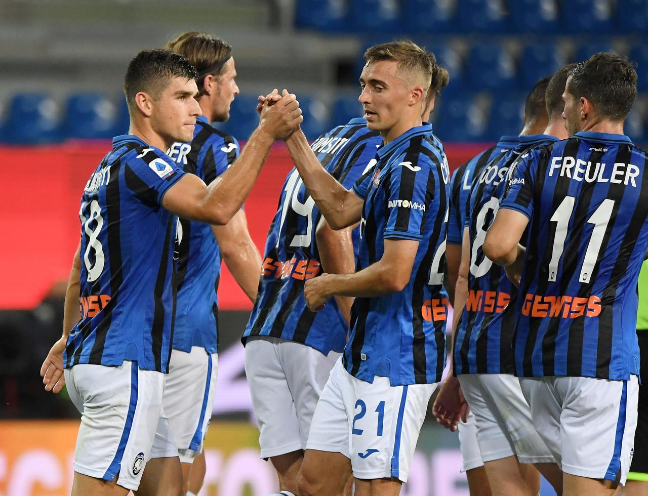 Atalanta close in on 100 goals with late win at Parma - Reuters