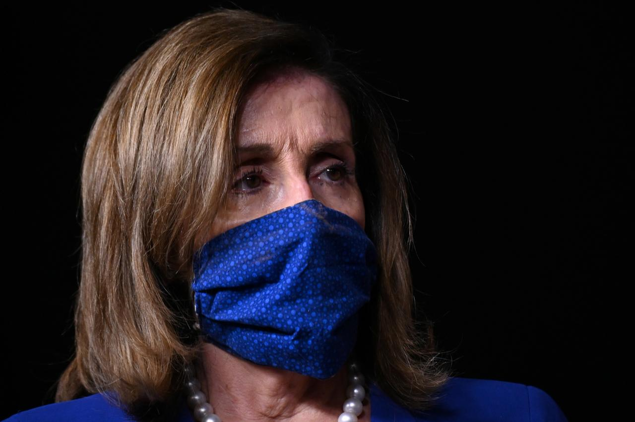 Nancy Pelosi Announces Mask-wearing Requirement for Lawmakers and Staff in the House of Representatives