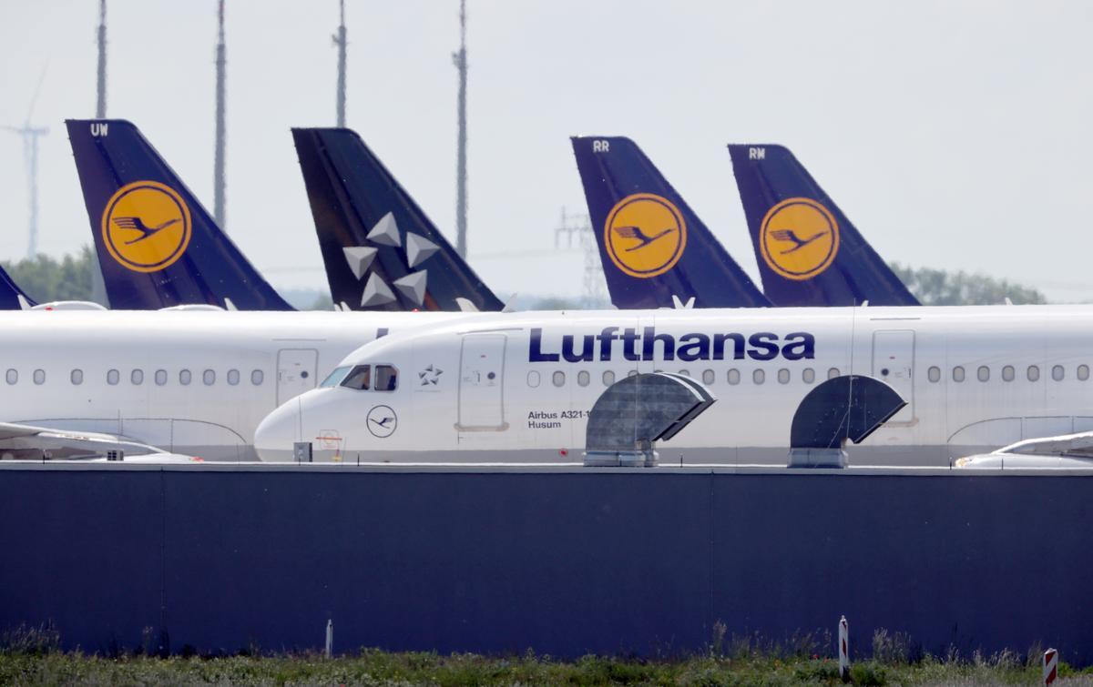 Loss-making Lufthansa forecasts no air travel take-off until 2024