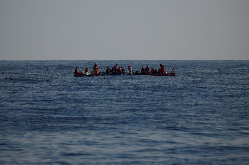 Around 40 migrants drown in shipwreck off Mauritanian coast - Reuters