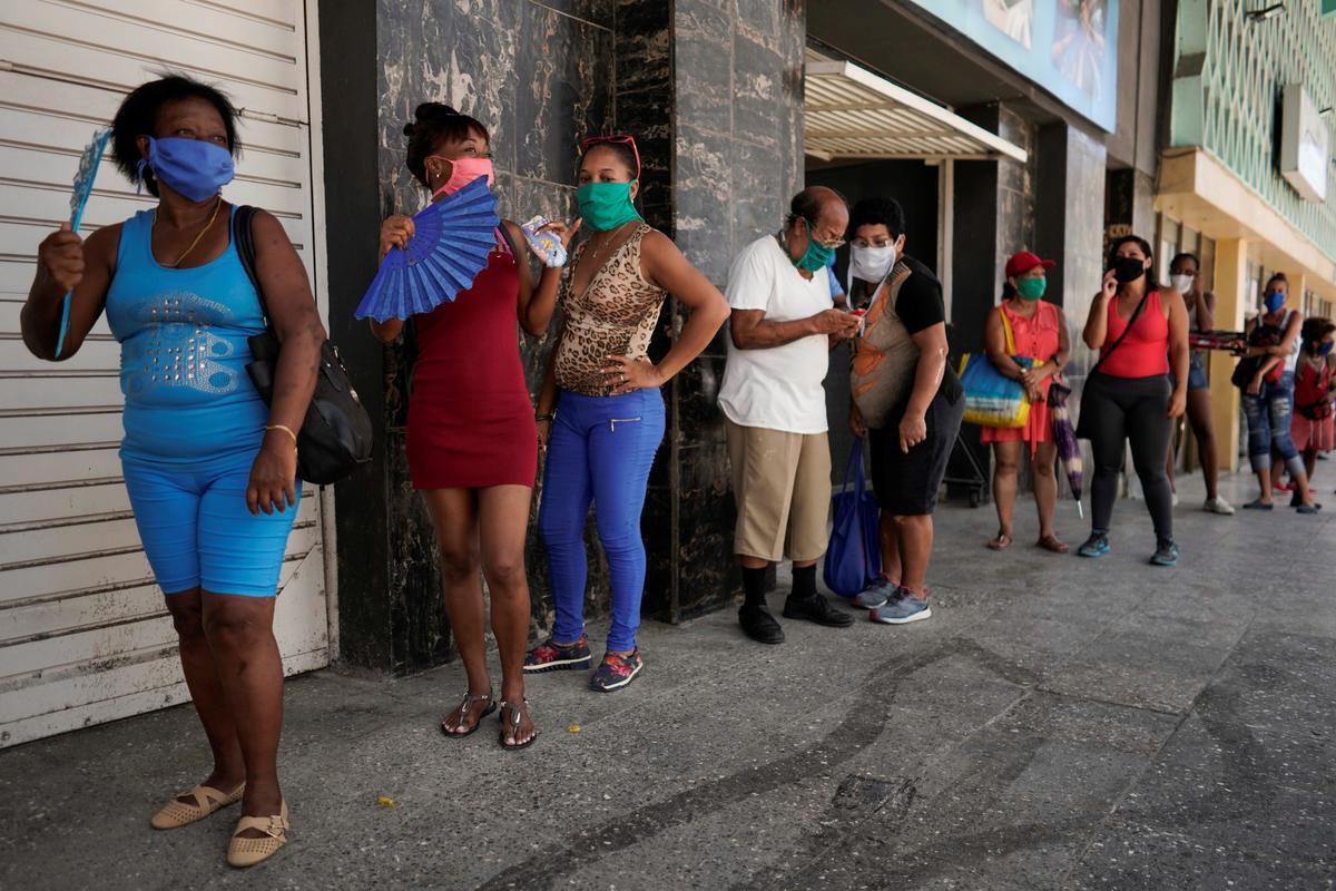 Havana back on lockdown as coronavirus rebounds