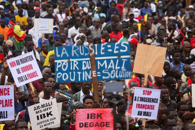 Mali protests resume as thousands call for president to resign - Reuters