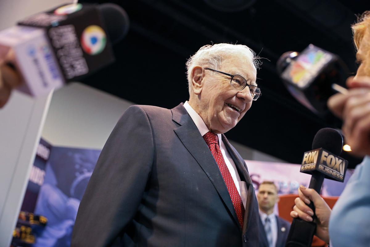 Berkshire slashes Wells Fargo, JPMorgan stakes; adds Barrick Gold ...