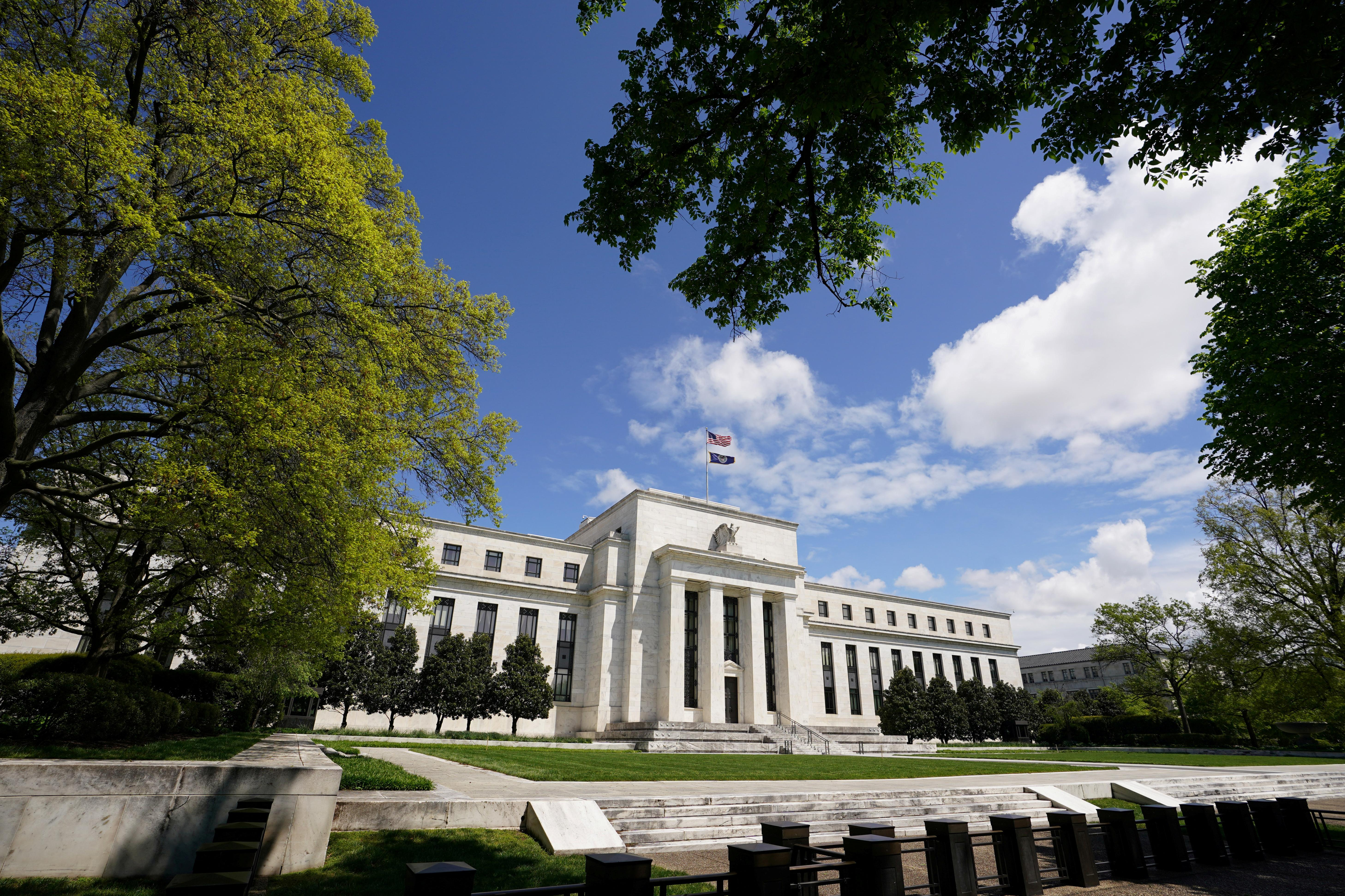 Fed's strategy shift to bind big central banks from Frankfurt to Tokyo