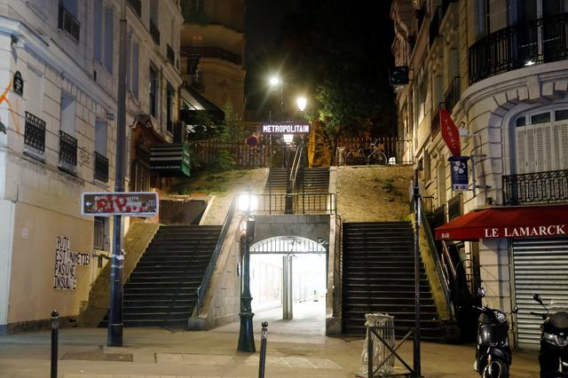 Empty streets are seen in Montmartre during the late-night curfew due to restrictions against the spread of the coronavirus disease (COVID-19) in Paris, France, October 17, 2020. REUTERS/Charles Platiau