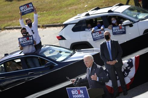 Crowds vs social distancing: The contrasting campaigns of Trump and Biden