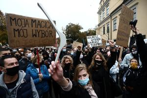 Protests as Poland rules almost total ban on abortions