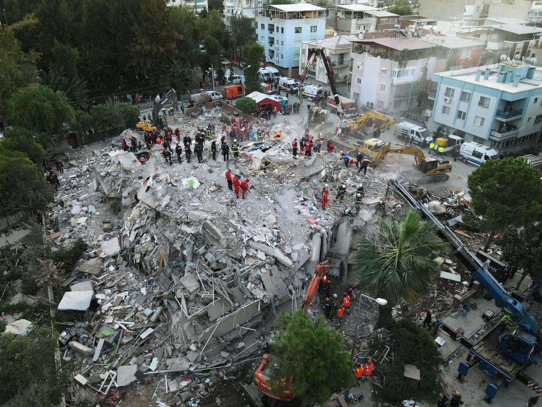Death Toll in Massive Turkey, Greece Earthquake Rises to 39 With 800 More Injured