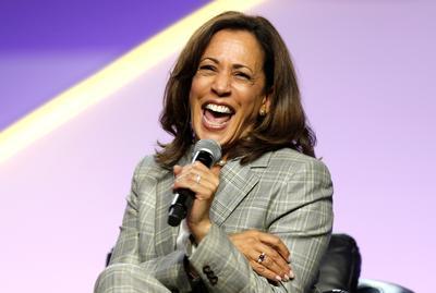 Kamala Harris breaks barriers to become vice president