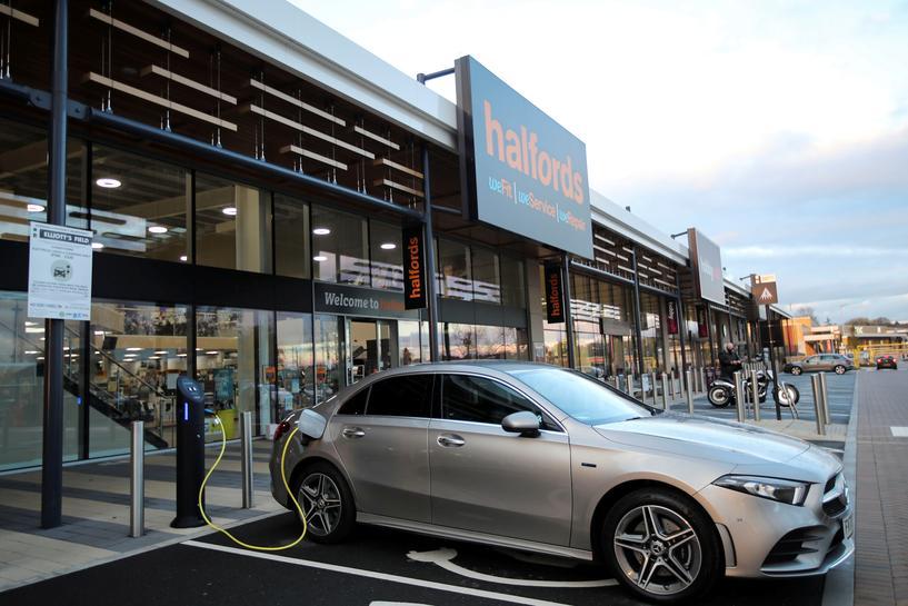 reuters.com - Reuters Editorial - UK watchdog studies 'range anxiety' in electric vehicle charging