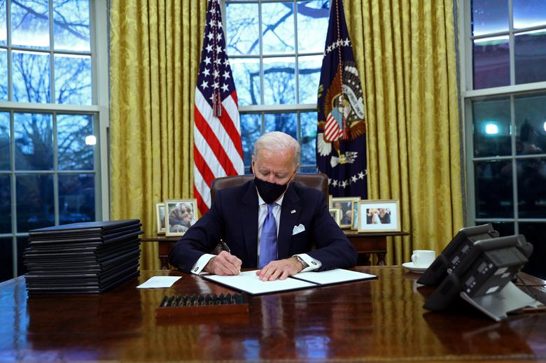 Biden Signs Executive Order Reversing Trump's Ban on Race and Gender Diversity Training