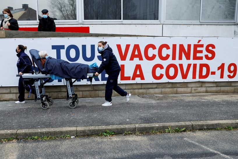 French Hospitals to Enter Crisis Mode to Prepare for Surge in Coronavirus