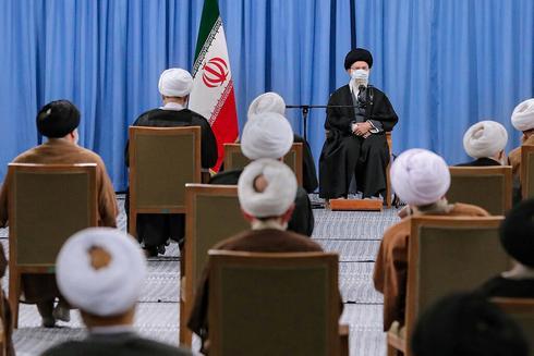 Exclusive: U.S. plays down Iran rhetoric, waits to see if Tehran resumes talks