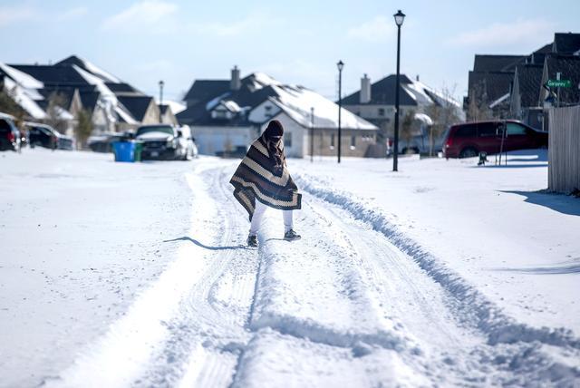 寒波 テキサス 米国最南端の温暖な地・テキサス州で寒波と雪害の被害拡大