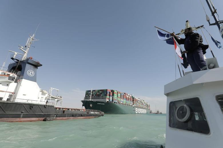 Ever Given Bebas, Ratusan Kapal Transit di Terusan Suez Hari Ini