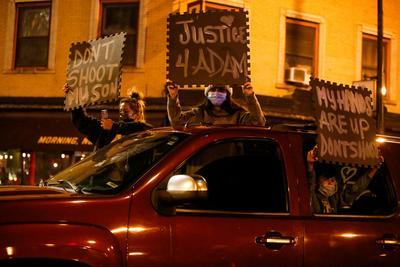 Hundreds protest Chicago police killing of 13-year-old boy Adam Toledo
