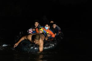 Central American migrants journey to U.S. border