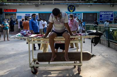 India hospitals running out of oxygen and beds