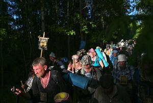 Thousands of Orthodox pilgrims journey in Russia