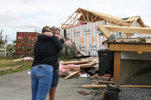 Deadly tornado rips through suburb in central Canada