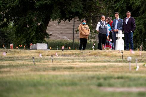 Trudeau visits 751 unmarked graves at indigenous residential school site