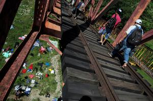 Migrant caravan pushes on to Mexico City