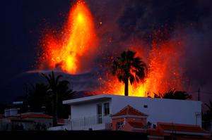 No end in sight: Stunning images from the eruption of Spain's La Palma volcano